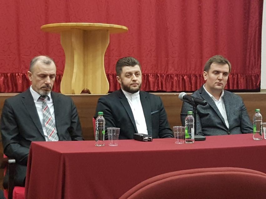 Bihać: Održana tribina o značaju medija i promovisanju vrijednosti