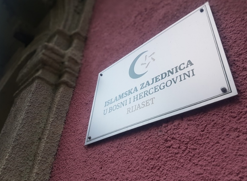 Islamska zajednica poziva članove da se pridržavaju preporuka tokom djelimičnog otvaranja džamija